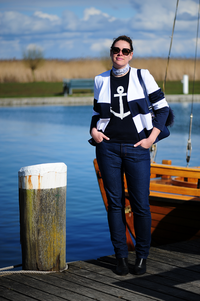 https://seaofteal.blogspot.de/2017/06/sail-away-travel-outfit-burda-style.html